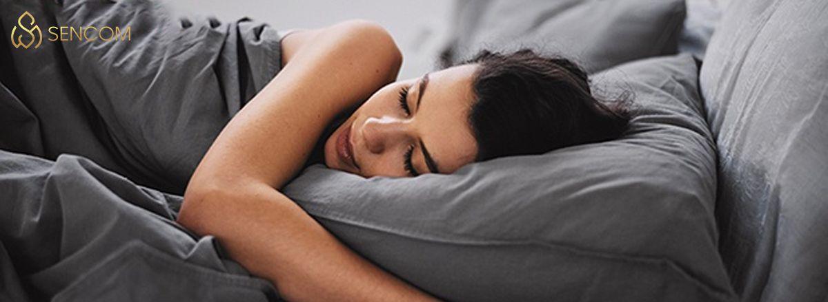 Nếu bạn đang băn khoăn khi tìm hiểu về việc uống sữa tươi trước khi đi ngủ có hại không? hãy cùng Sencom tìm hiểu chi tiết bài viết...