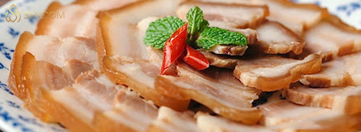 Cùng Sencom cập nhật bảng calories các món ăn ngày Tết mới nhất để giúp bạn vừa ăn Tết ngon miệng vừa giữ gìn vóc dáng hiệu quả...